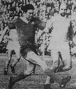 """Легендарния Гунди с топовен изстрел бележи първия гол във вратата на """"Бенфика"""""""
